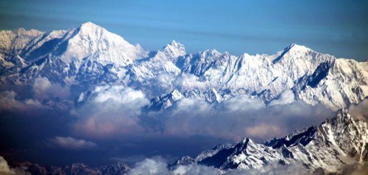 كورونا يمكن الهنود من مشاهدة جبال الهملايا