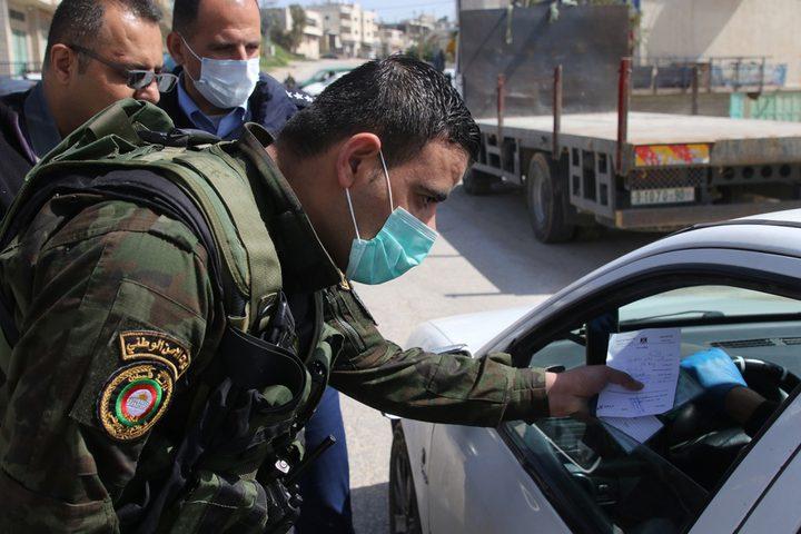 القبض على3 أشخاص وإغلاق57 محلا تجاريا لعدم الالتزام بحالة الطوارئ