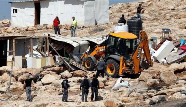 الاحتلال يهدم جزءا من منشأة سياحية في سبسطية