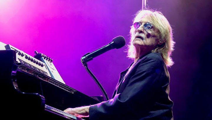 وفاة المغني الفرنسي كريستوف عن عمر ناهز 74 عاماً