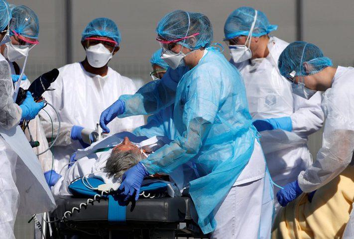 خبراء: مرضى كورونا أكثر عرضة للمعاناة من الأمراض الجلدية