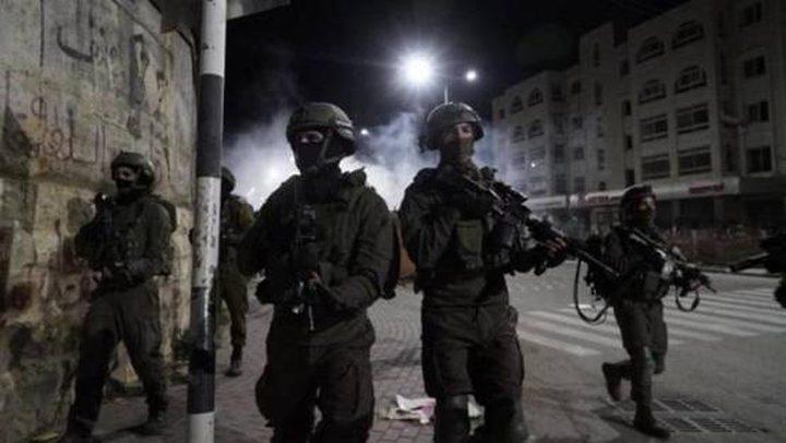 الاحتلال يعتقل شابين من رام الله
