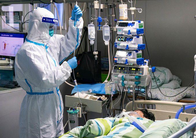 ايران: زيادة عدد المصابين في غرف العناية المركزة بسبب كورونا