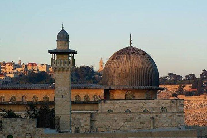 محافظ طولكرم: القرارات المتعلقة بالمساجد ما زالت كما هي