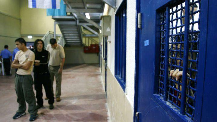 عبد ربه يحمل الاحتلال المسؤولية عن حياة وصحة الاسرى داخل السجون