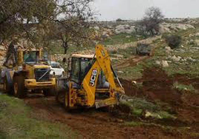 الاحتلال يجرف اراضي بورين جنوب نابلس