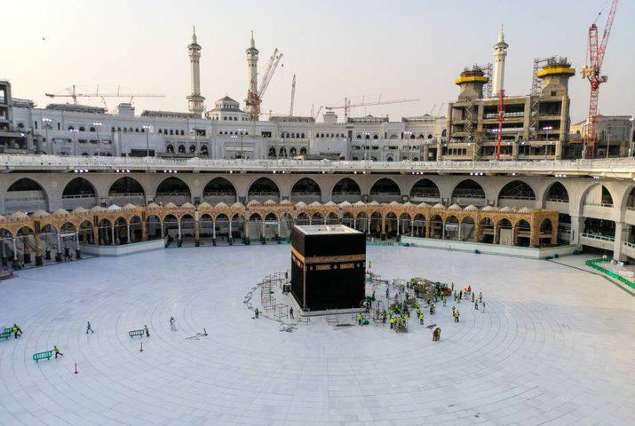 السديس: عودة الطواف والسعي والصلاة خلال أيام في الحرمين الشريفين