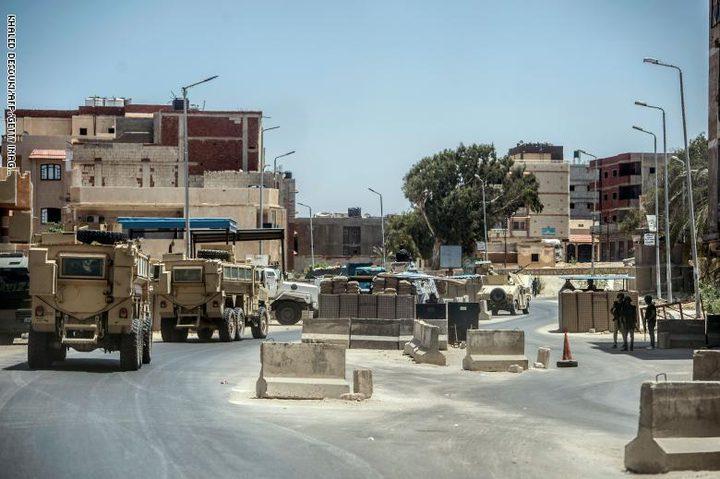 الجيش المصري: مقتل وإصابة 10 من العناصر  بانفجار شمال سيناء