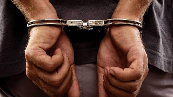 قوات الاحتلال تعتقل ثلاثة مواطنين من بيت سيرا غرب رام الله