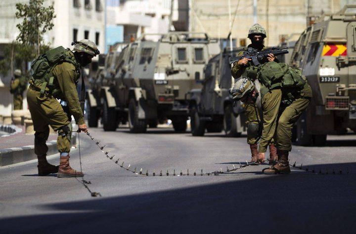 قوات الاحتلال تغلقمدخل كفر مالك شرق رام الله