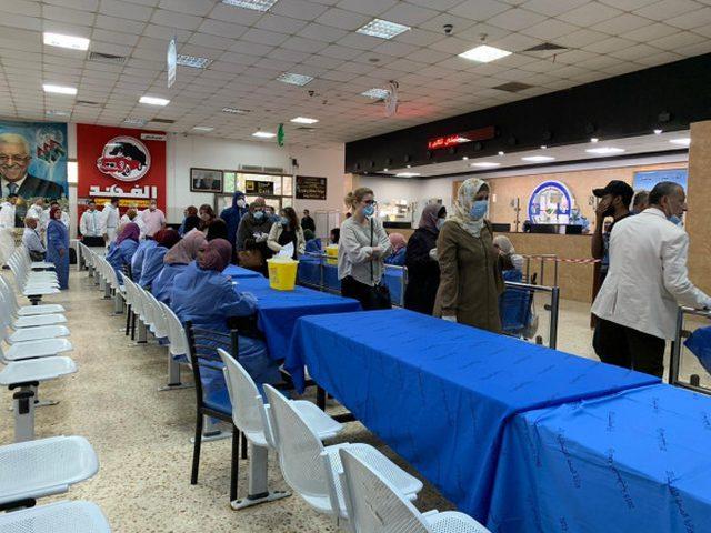 680 مواطناً من العالقين بالأردن يعودون اليوم عبر معبر الكرامة