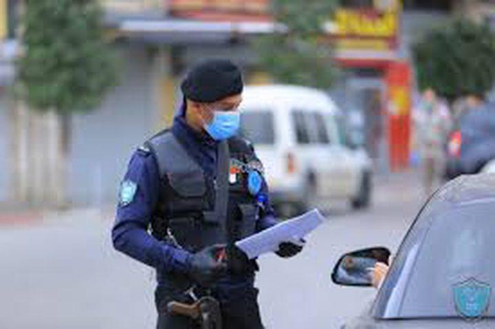 اغلاق (11) محلا تجاريا لمخالفتهم قانون الطوارئ في اريحا