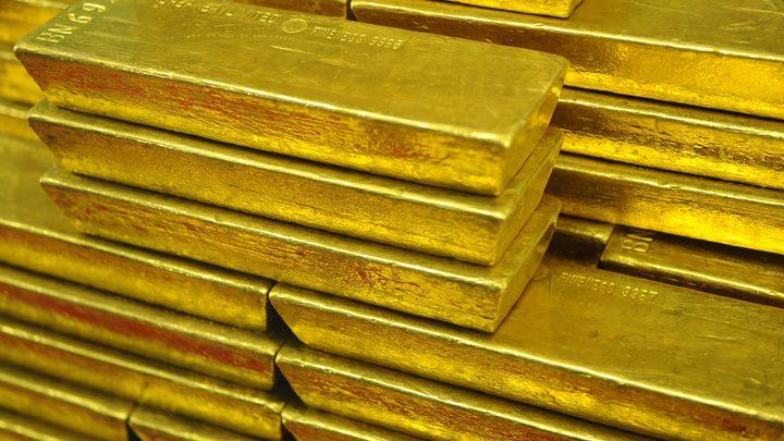 الذهب مستقر وسط صعود الدولار