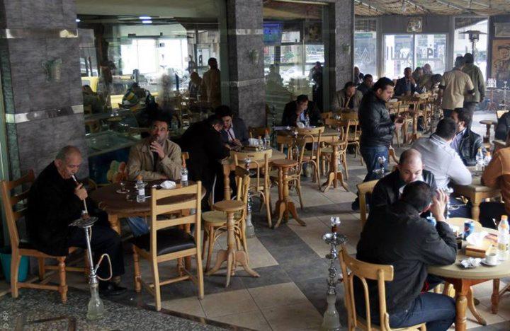 جنين: الرجوب يطالب أصحاب المقاهي بعدم مخالفة التعليمات