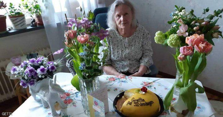 حفيد يبتكر طريقة للاحتفال بعيد ميلاد جدته خلال العزل المنزلي
