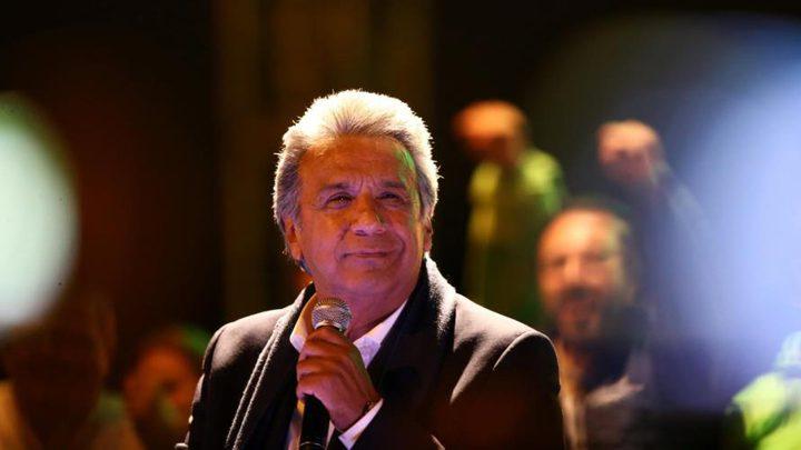 رئيس الإكوادور يخفض راتبه ورواتب وزرائه للنصف بسبب كورونا
