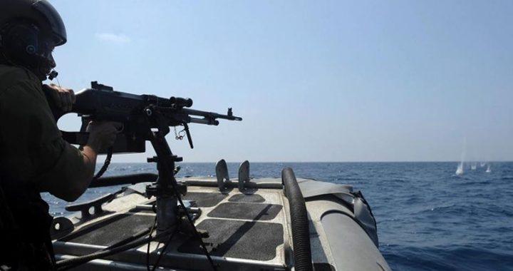 قوات الاحتلال تستهدف الصيادين في بحر غزة