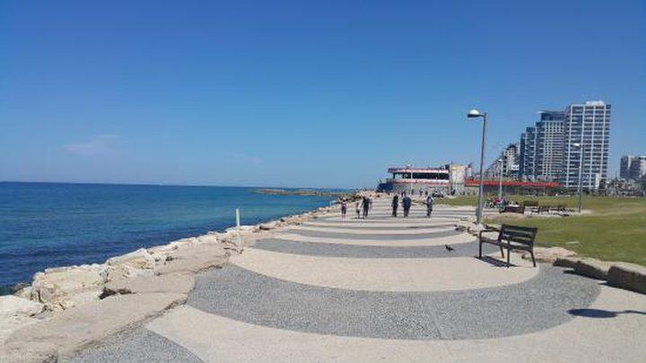 """بلدية الاحتلال تطالب بإعادة فتح شواطئ """"تل أبيب"""""""