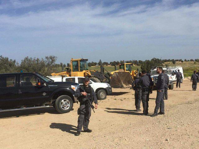 قوات الاحتلال تهدم خياما لعائلات بدوية في الطيبة شرق رام الله