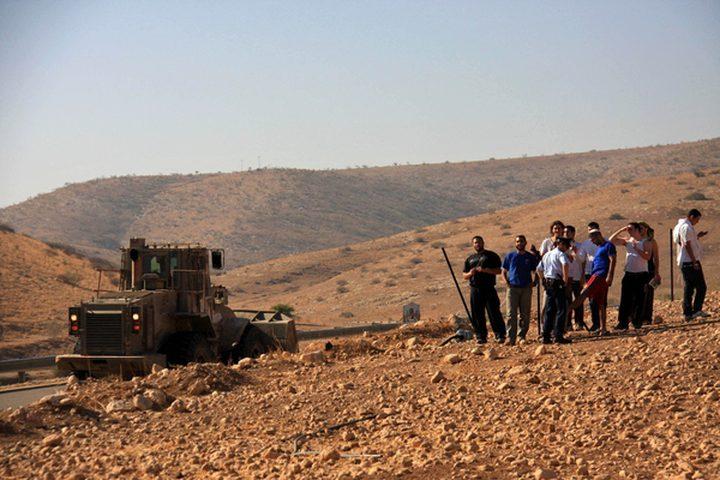 قوات الاحتلال تستولي على 3 خيام شمال أريحا