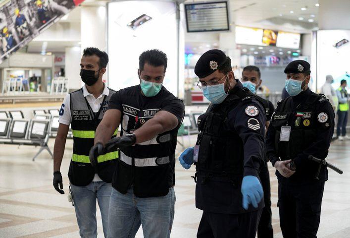"""الكويت: منح المسافرين شهادة """"خلو من كورونا"""" بعد اجراء الفحص لهم"""