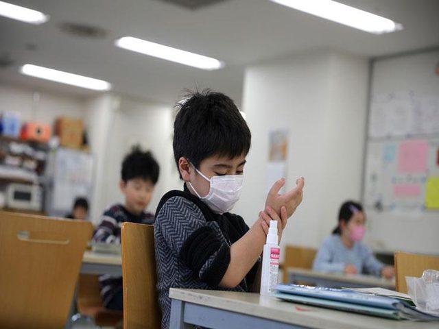 صحة الاحتلال تلغي قيود كورونا في المدارس خلال موجة الحر