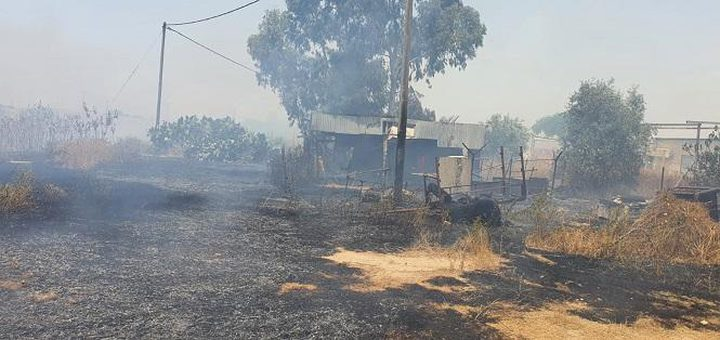 إخلاء منازل إثر اندلاع حريق بفعل الحر الشديد في رهط
