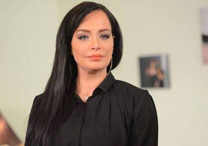 الممثلة السورية تولين البكري ترد على منتقدي ظهورها بوزن الزائد