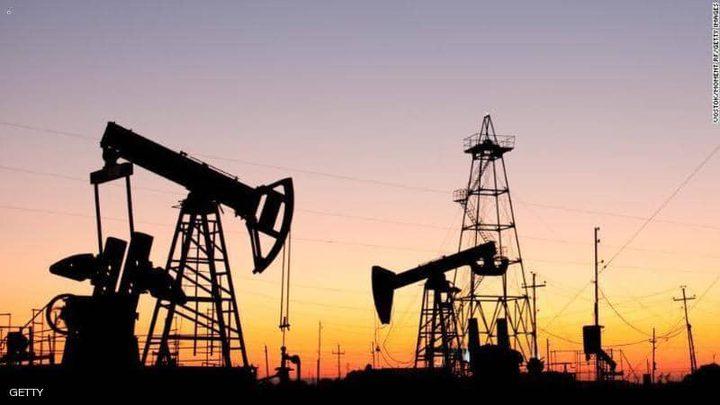 النفط يهبط بسبب التوتر الأميركي-الصيني