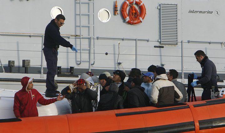 انقاذ 81 مهاجرا غير شرعيا بعد غرق قاربين قرب السواحل التونسية