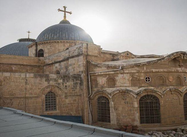 كنيسة القيامة تتراجع عن قرار فتح ابوابها الذي كان مقررا الاحد