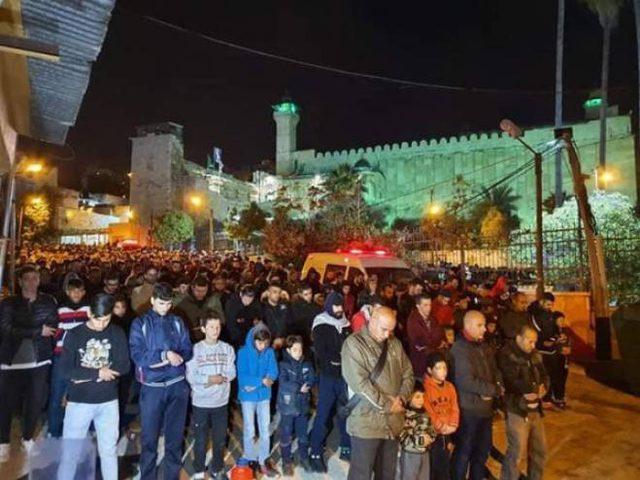 قوات الاحتلال تمنع المواطنين من الصلاة في الحرم الإبراهيمي