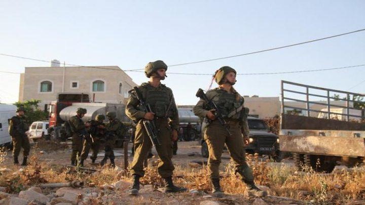 قوات الاحتلال تستولي على معدات تابعة لبلدية نابلس