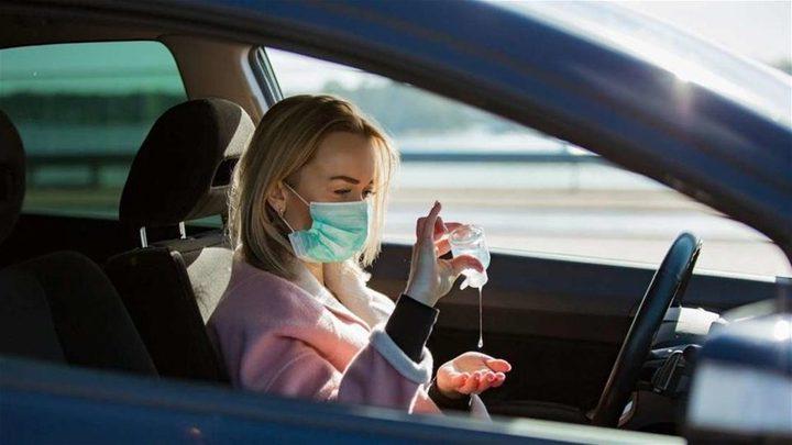 هل يمكن أن ينفجر معقم اليدين في السيارة ؟