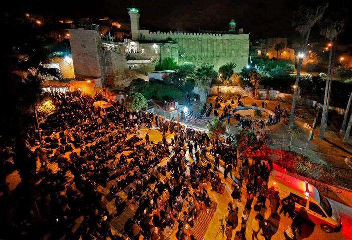 الاحتلال يمنع رفع أذان الفجر وأداء الصلاة في الحرم الإبراهيمي