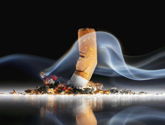 """كيف تقنع """"شركات التبغ"""" صغار السن بالتدخين ؟"""
