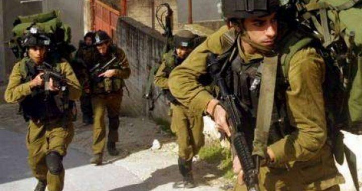 قوات الاحتلال تقتحم بلدة يعبد وتفتش عدة منازل