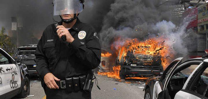 لوموند توضح أسباب اندلاع اعمال العنف في الولايات المتحدة