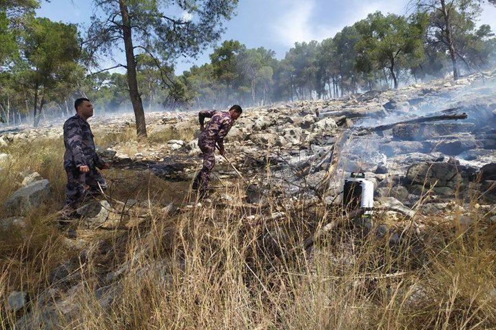 حريق في أحراش نور شمس شرق طولكرم استمر 8 ساعات حتى تمكنت طواقم الدفاع من السيطرة عليه