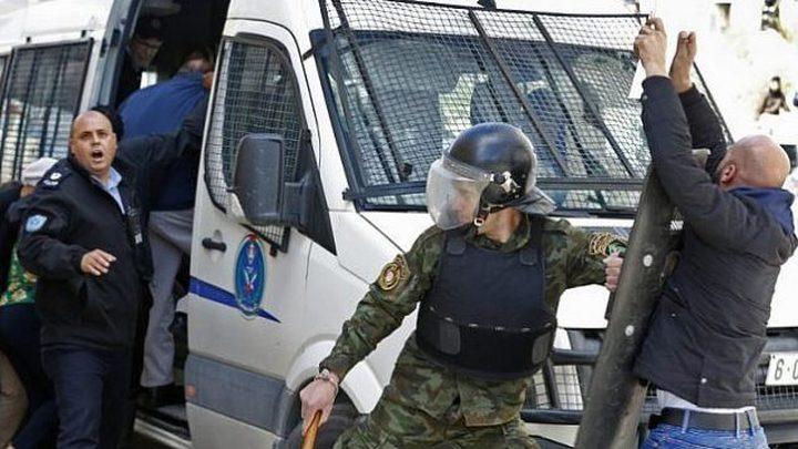 القبض على شخص يشتبه به بعدة قضايا إطلاق نار في جنين