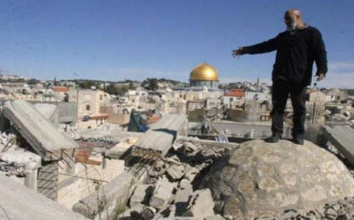 إخطارات الاحتلال في وادي الجوز تُهدد بطرد ألف مقدسي