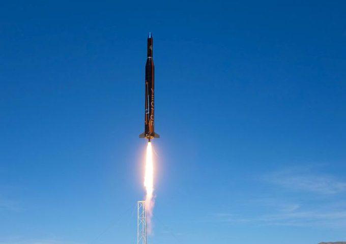 الاحتلال يجري تجربة صاروخية بالستية يبلغ مداها 400 كم