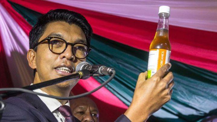مدغشقر.. إقالة وزيرة بسبب اقتراحها تعديل علاج الرئيس لوباء كورونا