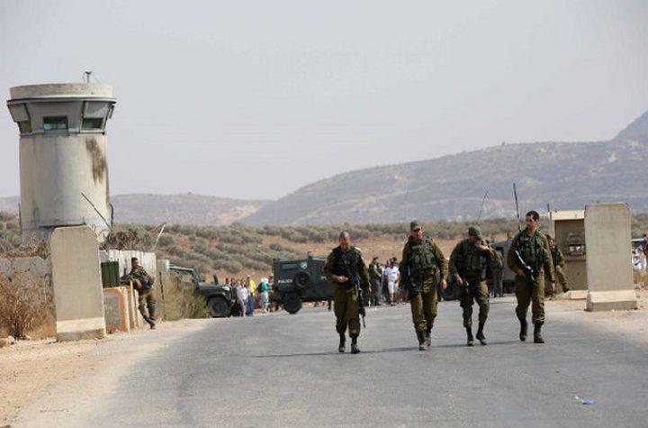 الاحتلال ينصب بيوتا متنقلة وخياما شرق نابلس