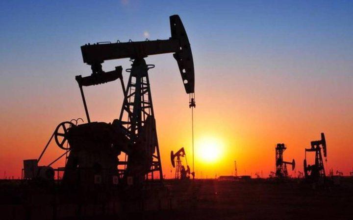 """ارتفاع أسعار النفط بعد تمديد تخفيضات الإنتاج من قبل """"أوبك"""""""