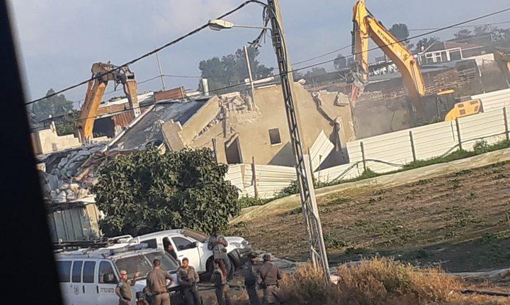 الاحتلال يهدم 5 مساكن في بلدة السواحرة