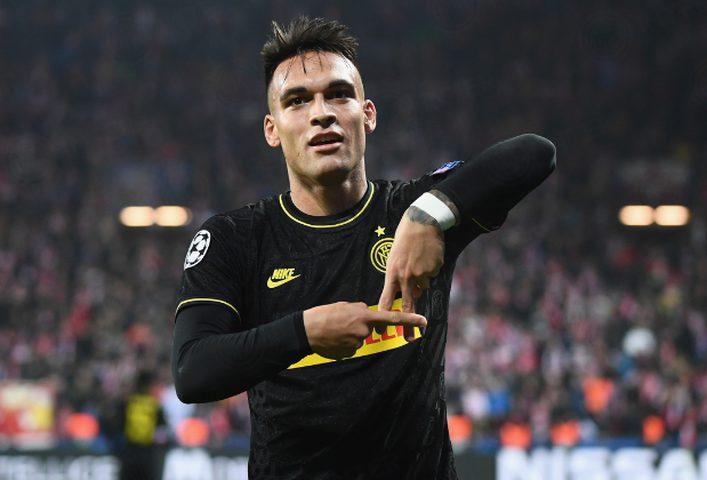 لاوتارو يطلب الانتقال إلى برشلونة
