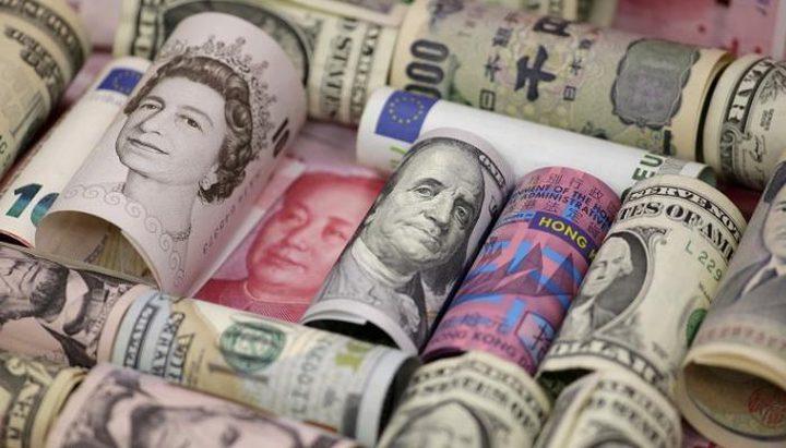 الدولار الأمريكي يصعد والاسترليني يتراجع