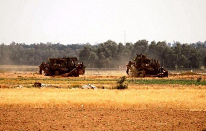 آليات الاحتلال تتمركز على مشارف قريتي تياسير والعقبة