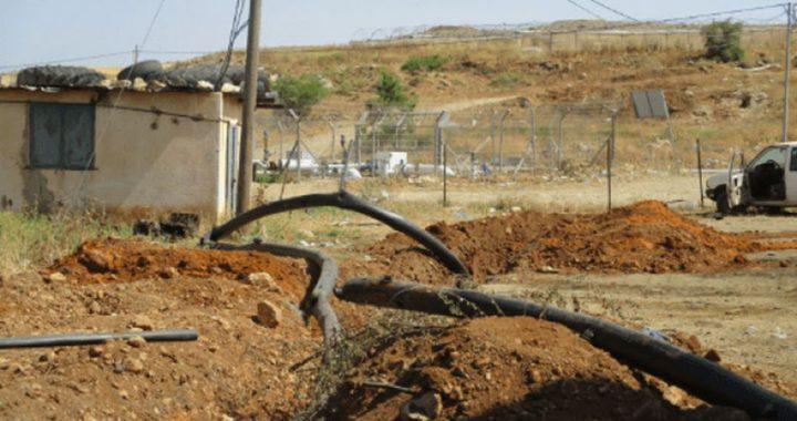 قوات الاحتلال تدمر خطوط مياه بالأغوار بحجة التدريبات العسكرية